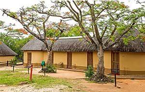 kruger--safar--budget-accomodation-huts